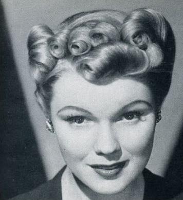 1940s-vintage-hair-updo-reverse-side-roll