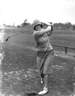 19330dad4f0111d6246fd48b7473d036--female-sports-vintage-golf