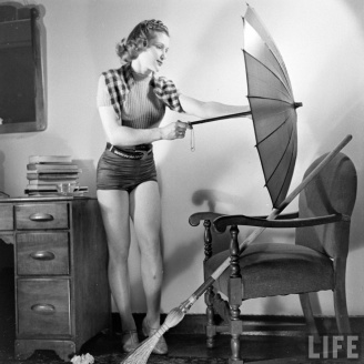 Exercising with Household Utensils (1)