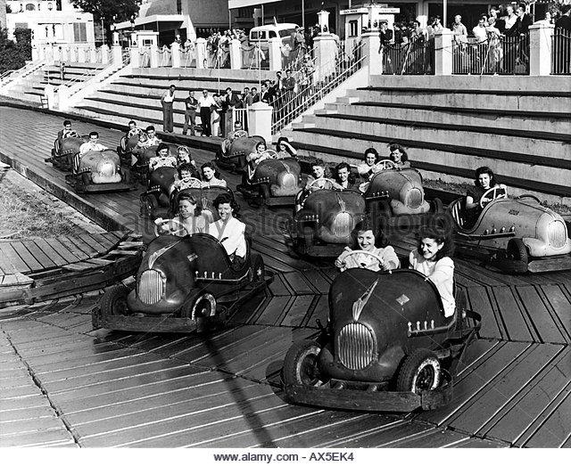margate-dreamland-funfair-england-about-1955-ax5ek4