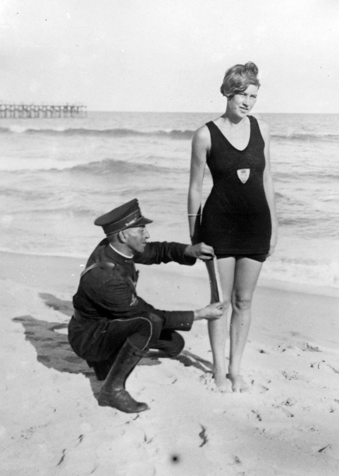 prohibited_bathing_suits_1920s_7.jpg