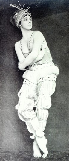 XJF342479 Tamara Karsavina in the role of Zobeide from the ballet 'Scheherazade', illustration from 'Tatler' magazine, July 8th 1914 (b/w photo) by English Photographer, (20th century); black and white photograph; Private Collection; (add. info.: Tamara Karsavina (1885-1978) principal ballerina of the Imperial Russian Ballet and Ballets Russe; Scheherazade is a symphonic suite by Nickolai Rimsky- Korsakov and was adapted for ballet by Michel Fokine); English, out of copyright