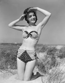 04_vintage-retro-swim.nocrop.w524.h670