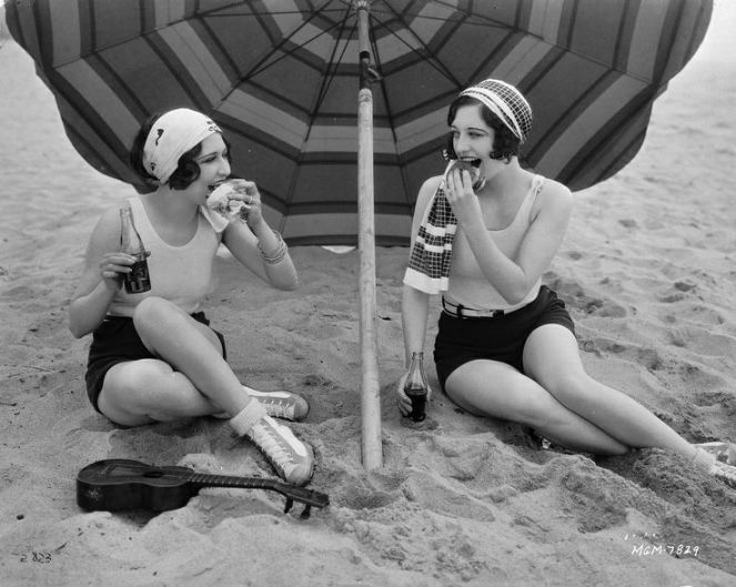 1254ee77c9c946989e21386855988503--beach-picnic-joan-crawford