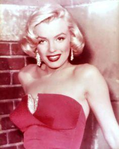 1950x27s-marilyn-monroe-blonde-red-Favim.com-602281