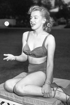 UNITED STATES - MAY 17: Photo of Marilyn Monroe. May 17, 1950, California, Beverly Hills, Marilyn Manroe. Photo by Michael Ochs Archives/Getty Images