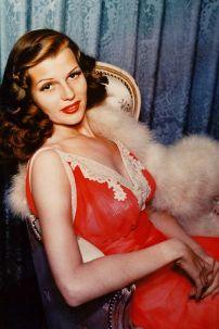 7f1bdec9f38cdb1ec5300e00f50a3f8b--vintage-hollywood-hollywood-glamour
