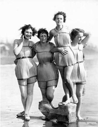 c6a48030612469897f96f0fc1a3a2f41--beach-wearing-girl-on-beach