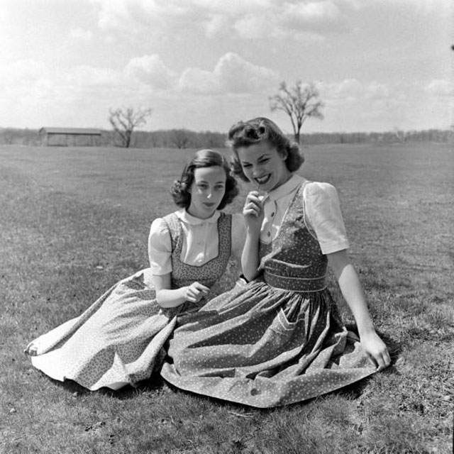 Young Girls in Dresses during the 1950s (3).jpg