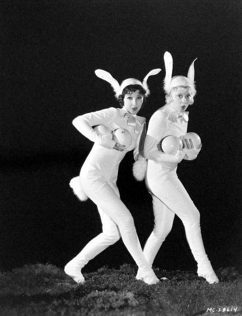 0e3edd1ec385bae5035ba222f00e74f5--rabbit-ears-rabbit-hole