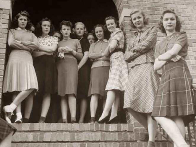 1939-Lawarence-college-girls-kansas-Alfred-Eisenstaedt-Google-Cultural-Institute2