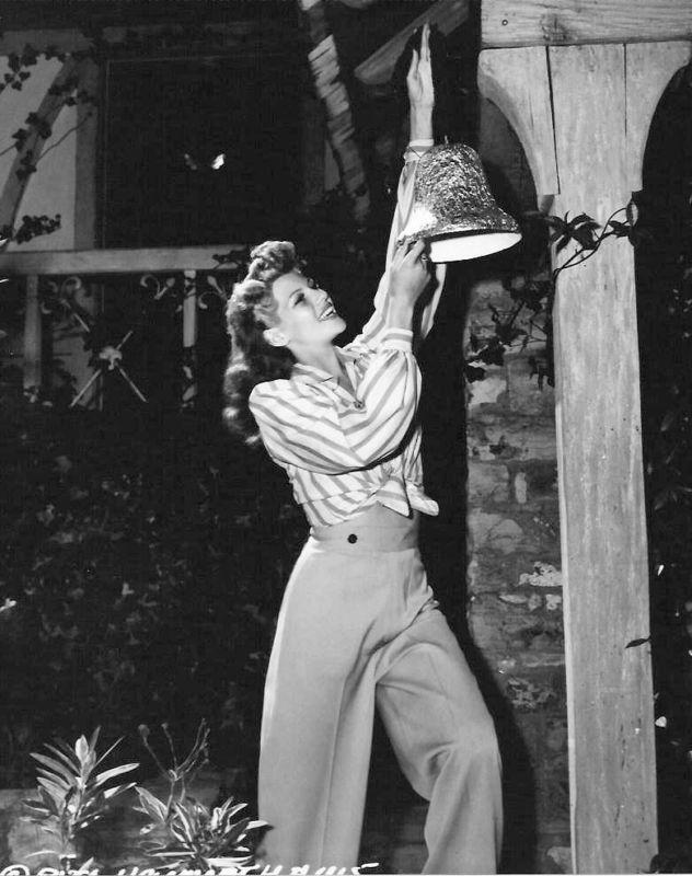 1940shighwaistedpantsritahayworth.jpg
