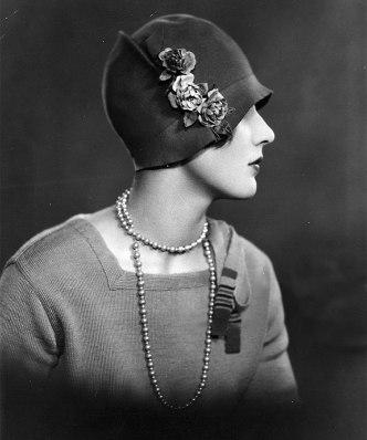 1920s-women-fashion-41-5710a3f4d5411__700