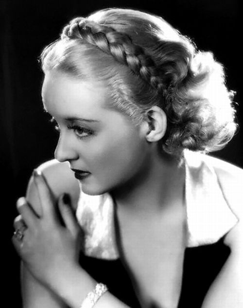 "1934 - Bette Davis in the movie ""Fog Over Frisco"""
