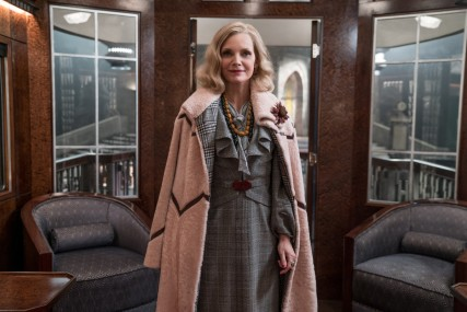 murder-on-the-orient-exress-michelle-pfeiffer-pink-coat