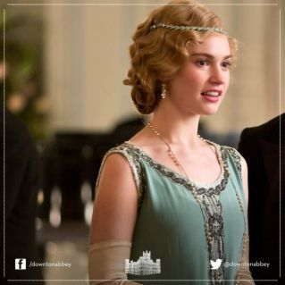 0271330b404d07b6c874c11755d19366--downton-abbey-fashion-flapper-fashion