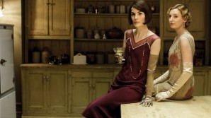 downton-abbey-s6-costume-design-01-scale-690x390