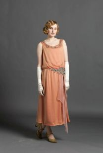 evening-clothing-1920s-season-3-Edith