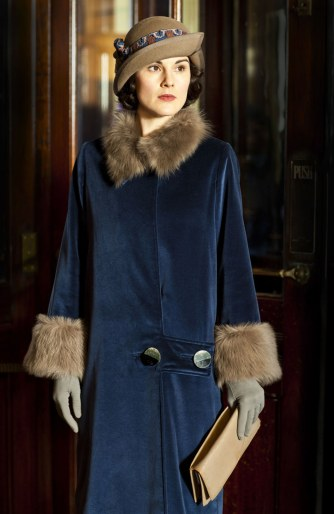 fashion-2015-12-downton-abbey-lady-mary-best-looks-3-main