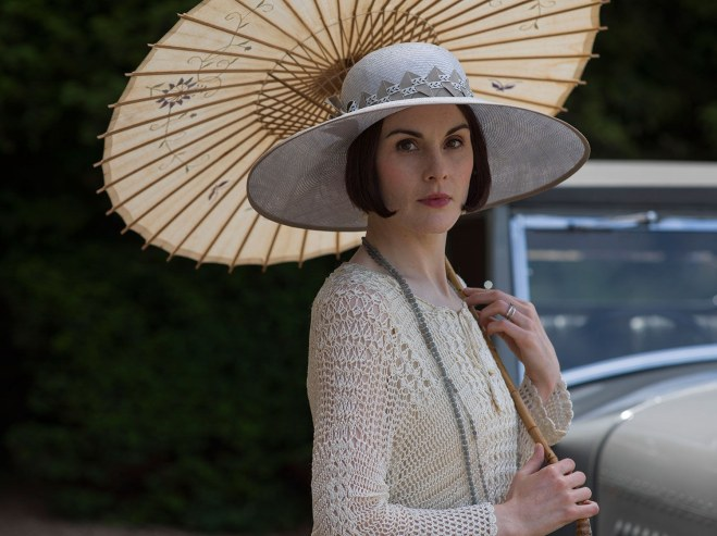 fashion-2015-12-downton-abbey-season-6-lady-mary-style-hat-parasol-main