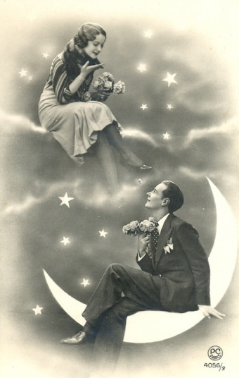lovers_-moon1920s-paper-moon-portrait-postcard