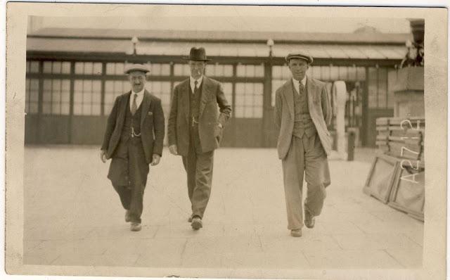 Street Gentlemen in the 1930s (14)