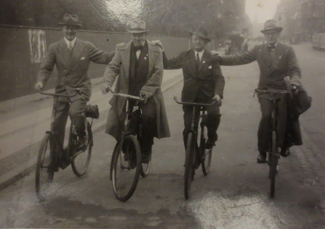 Street Gentlemen in the 1930s (16)
