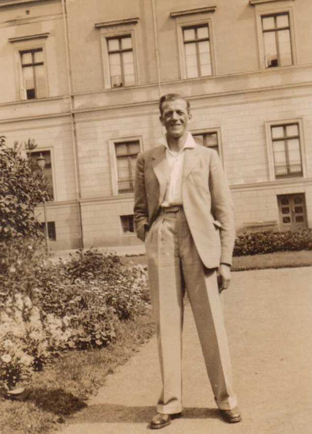 Street Gentlemen in the 1930s (18)