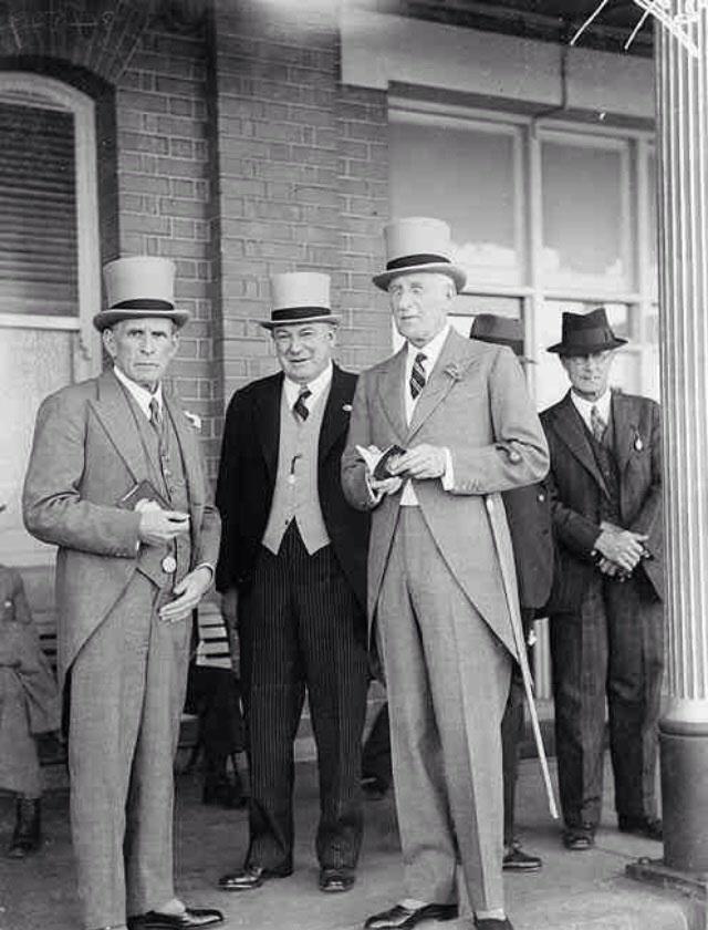 Street Gentlemen in the 1930s (8)